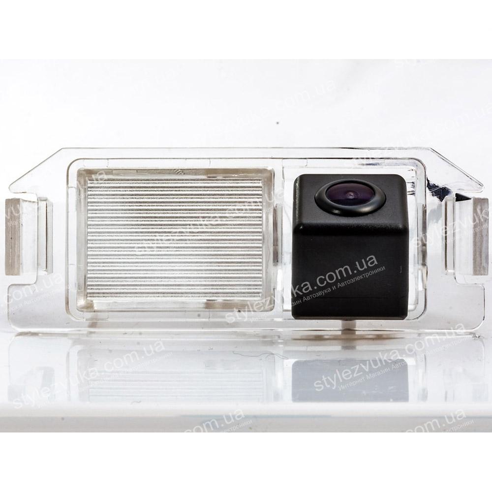 Штатная камера заднего вида Fighter CS-CCD+FM-05(Hyundai/Kia)