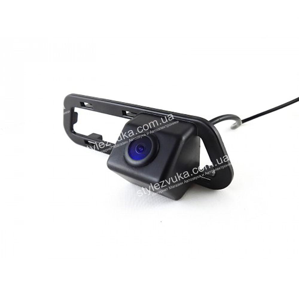 Штатная камера заднего вида в плафон CCD Falcon SC87HCCD-170-R  2