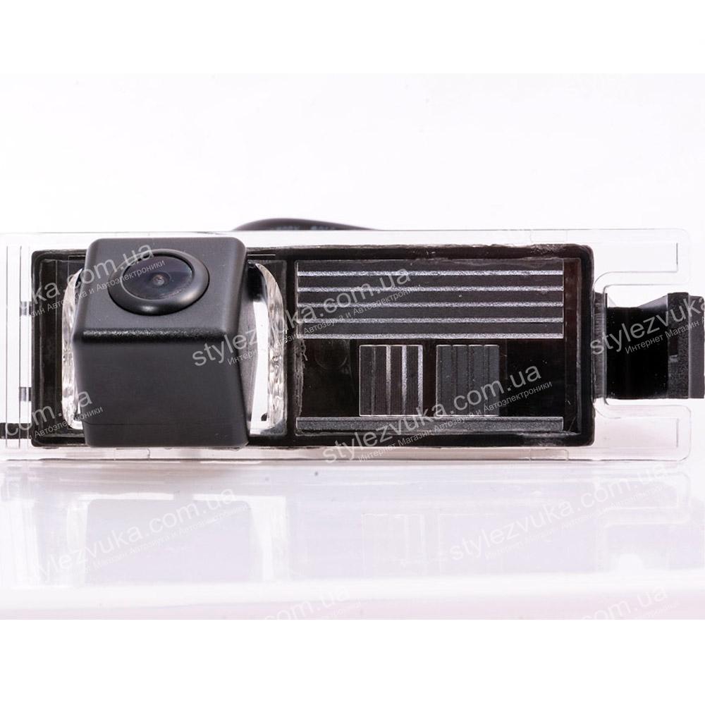 Штатная камера заднего вида Fighter CS-CCD+FM-02 2