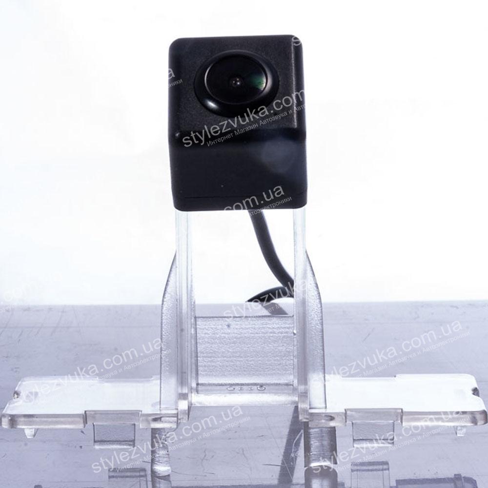 Штатная камера заднего вида Fighter CS-CCD+FM-42 (Suzuki) 2